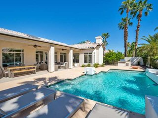 Heated POOL, Updated & modern w/Pool table, garage, grill, & FREE Golf! Minutes