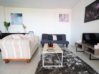 Sydney Parramatta City 1 Br Elegant Holiday Home