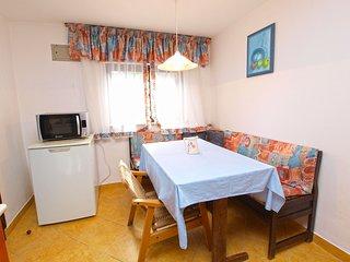 Apartment 3387