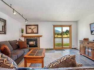 King Master-Best Value In Snowdance! NEW LISTING Walk to Lifts/Dining - New Furn