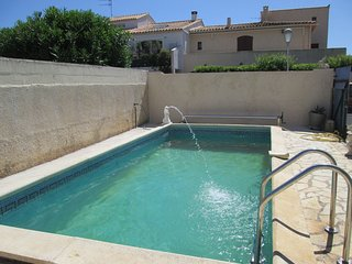 Lovely 2 Bed Ground Floor Apartment - Villa with pool