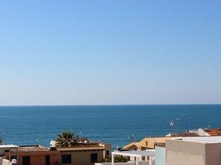 Appartamento con grande terrazza a 30 mt dal mare e dalla pista ciclabile