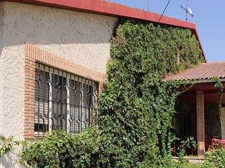 La Casa del Prado. Segovia.Barbacoa. Piscina.