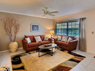 Cozy Clean Condo short walk to Ft Lauderdale Beach