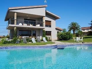 Chale  Gijón con piscina