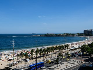 Seafront Copacabana Beach Apartment w/ Panoramic View Excellent Cost-Benifit, Up