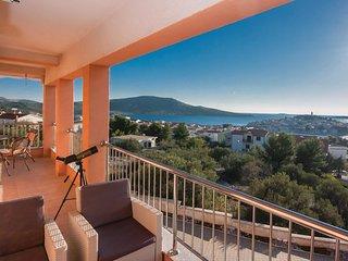 3 bedroom Apartment in Primošten, Šibensko-Kninska Županija, Croatia : ref 55361