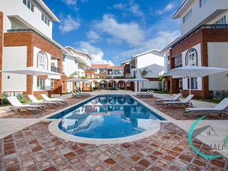 1 BR DELUXE F-2A CORAL VILLAGE, Pool,Close to the Beach!