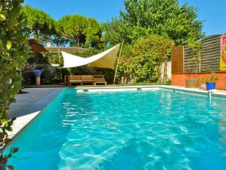 appartement dans villa, piscine, patio, jardin, parking, proche littoral