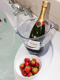 Treat yourself to a nice bottle of Bubbly in the Jacuzzi.