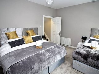 Deluxe Family Room in a Newly Refurbished House