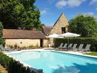 5 bedroom Villa in Saint-Avit-de-Vialard, Nouvelle-Aquitaine, France : ref 56777