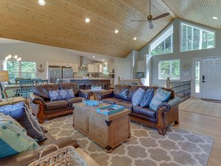 Southern Comfort II at Norris Lake 9 Bed/9 Bath w/ Private Dock