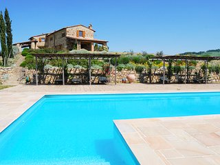 4 bedroom Villa in Pienza, Tuscany, Italy : ref 5677892