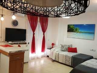 Beautiful studio apartment near the beach