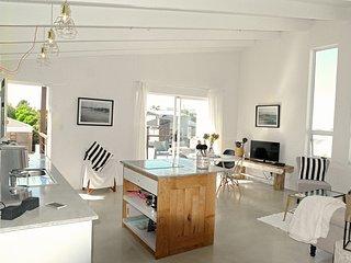 Wunderschönes Designer Appartement für 4 Gäste in bester Lage von Bloubergstrand