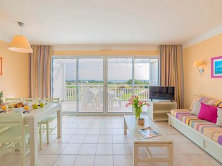 2 BR Apartment for 6 at Lagrange Vacances Residence L'Estran