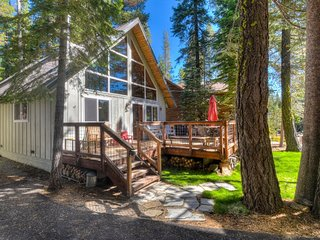 'A' Frame Home, Walk To Lake & Close To Ski Resort