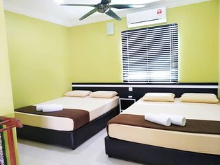 GM MOTEL FAMILY ROOM
