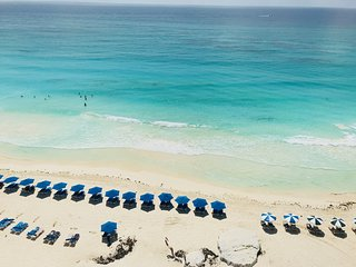 Stunning! Ocean/Beachfront Corner Condo on Cancun Beach, 2BRM; Hotel Zone