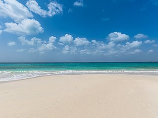 Private Estate on Sugar Sand Beach. Sleeps 23. Families, Weddings, Events
