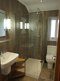 A second luxury shower room.
