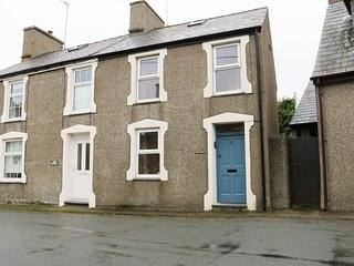 1 TAN Y MAES, two pets welcome, close to the beach, in Nefyn