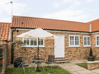 3 CROFT COTTAGES, all ground floor, open plan, pet-friendly, lawned garden, Farl
