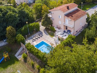 ctim237 - House with pool, 9 people, in front of the villa is field for football