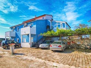 Apartment 12575