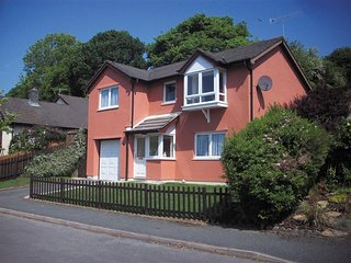 Oaklands: A detached house set on three floors near Saundersfoot PW926