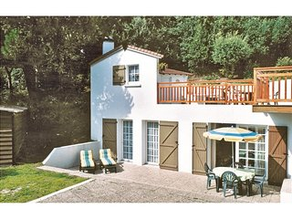 2 bedroom Villa in Tharon-Plage, Pays de la Loire, France : ref 5565518