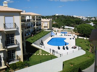 2 bedroom Apartment in Albufeira, Faro, Portugal : ref 5455827