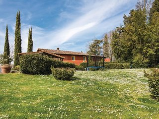 2 bedroom Apartment in Coiano, Tuscany, Italy : ref 5566839