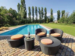 2 bedroom Villa in Le Tombine, Veneto, Italy - 5639490