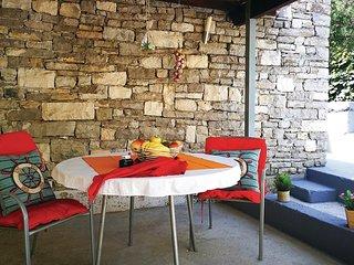 2 bedroom Villa in Sumartin, Splitsko-Dalmatinska Zupanija, Croatia : ref 567604