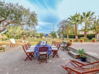 3 bedroom Villa in Casa Benarifi, Sicily, Italy : ref 5542852