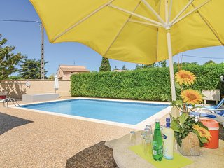 2 bedroom Apartment in Codognan, Occitania, France : ref 5675915