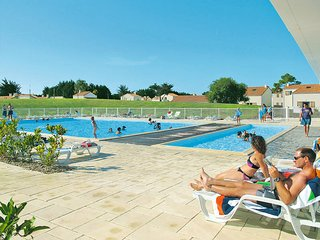 1 bedroom Apartment in Olonne-sur-Mer, Pays de la Loire, France : ref 5448099