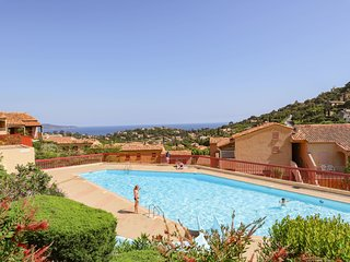 1 bedroom Apartment in Cavalaire-sur-Mer, Provence-Alpes-Côte d'Azur, France : r