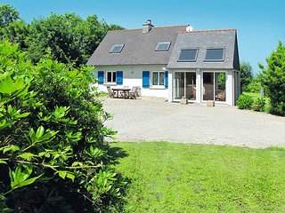 4 bedroom Villa in Camaret-sur-Mer, Brittany, France : ref 5438077