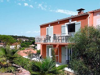 2 bedroom Apartment in Saint-Aygulf, Provence-Alpes-Côte d'Azur, France : ref 54