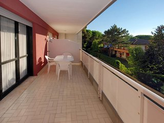 Lignano Riviera Apartment Sleeps 6 with Pool Air Con and WiFi - 5795115