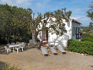 3 bedroom Apartment in Cavalaire-sur-Mer, Provence-Alpes-Cote d'Azur, France : r