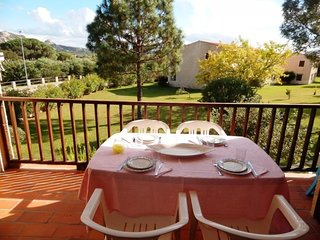 2 bedroom Apartment with Walk to Beach & Shops - 5310622