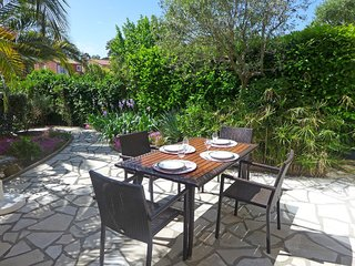 2 bedroom Apartment in Valescure, Provence-Alpes-Côte d'Azur, France : ref 55190