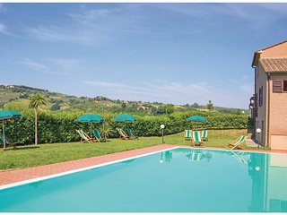 3 bedroom Apartment in La Querce, Tuscany, Italy : ref 5540336