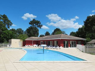 1 bedroom Apartment in Arès, Nouvelle-Aquitaine, France : ref 5434777
