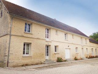 4 bedroom Villa in Villeneuve-les-Bordes, Ile-de-France, France : ref 5565580