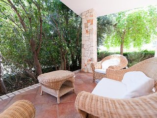 3 bedroom Villa with Air Con and Walk to Beach & Shops - 5389085